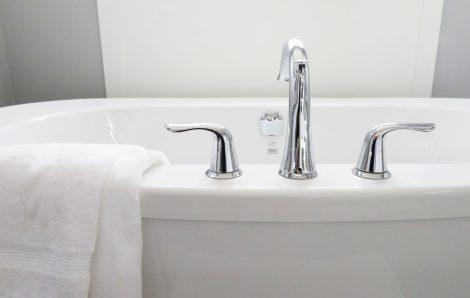 Les astuces pour réparer une fuite de baignoire
